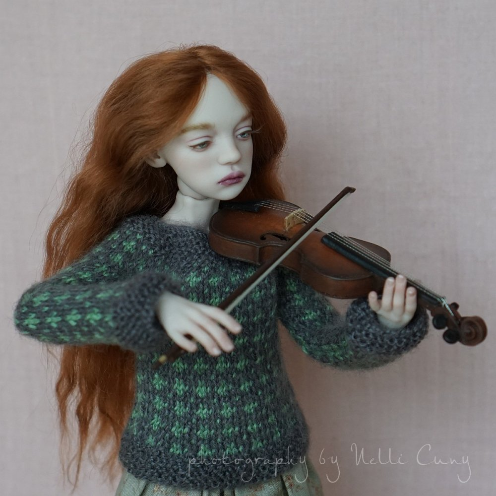 2020-02-19 Hannah with a violin by EveStudioDolls 1.jpg