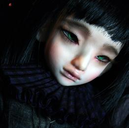 Amadea-profile.jpg
